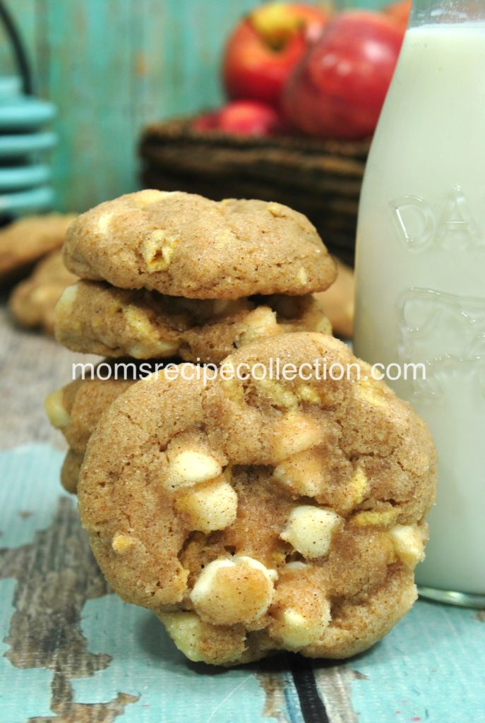 These homemade apple snickerdoodle cookies pair well with a cold glass of milk.
