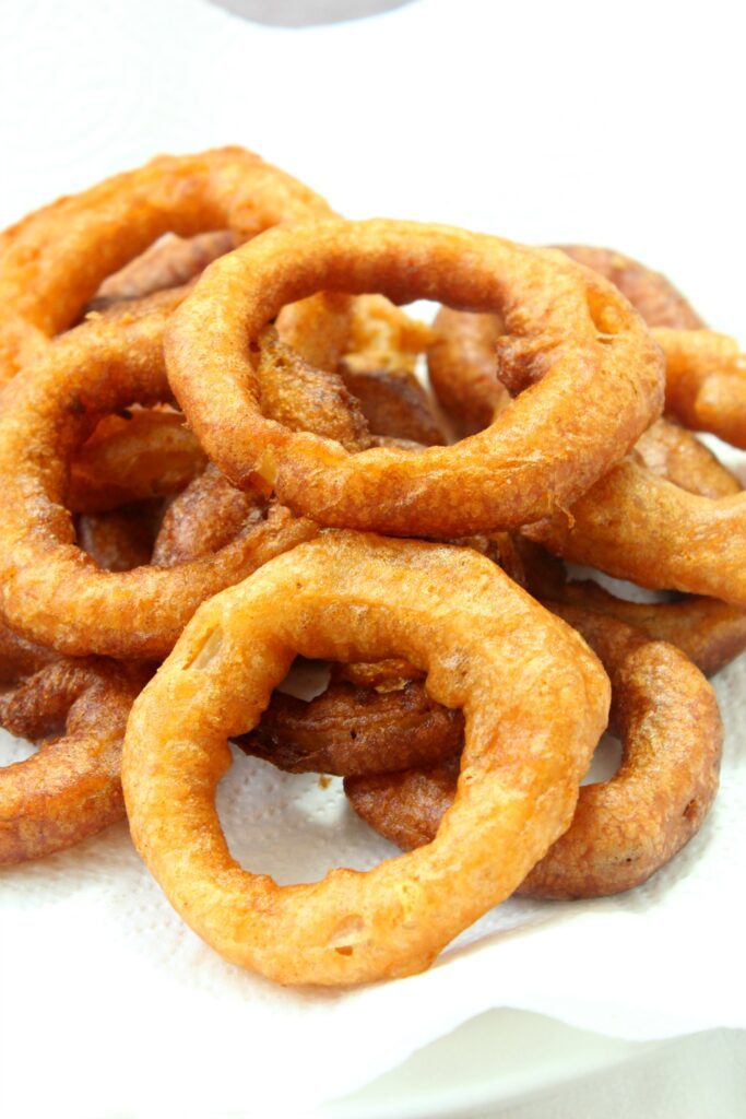 These crispy onion rings are super tasty and easy to make.