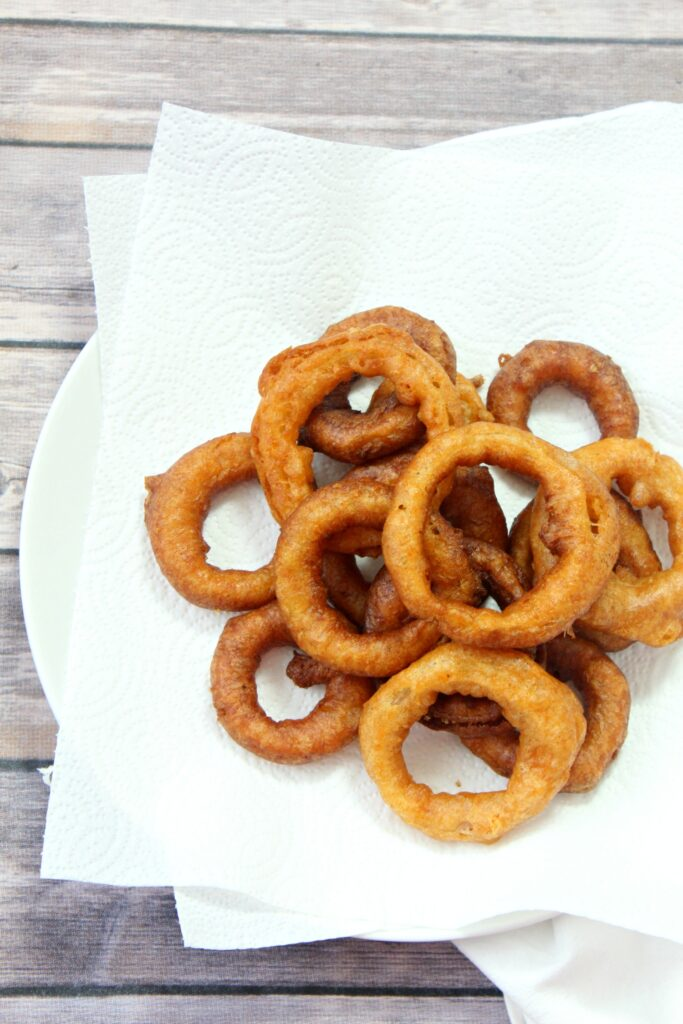 Crispy and delicious onion rings, fried to perfection.