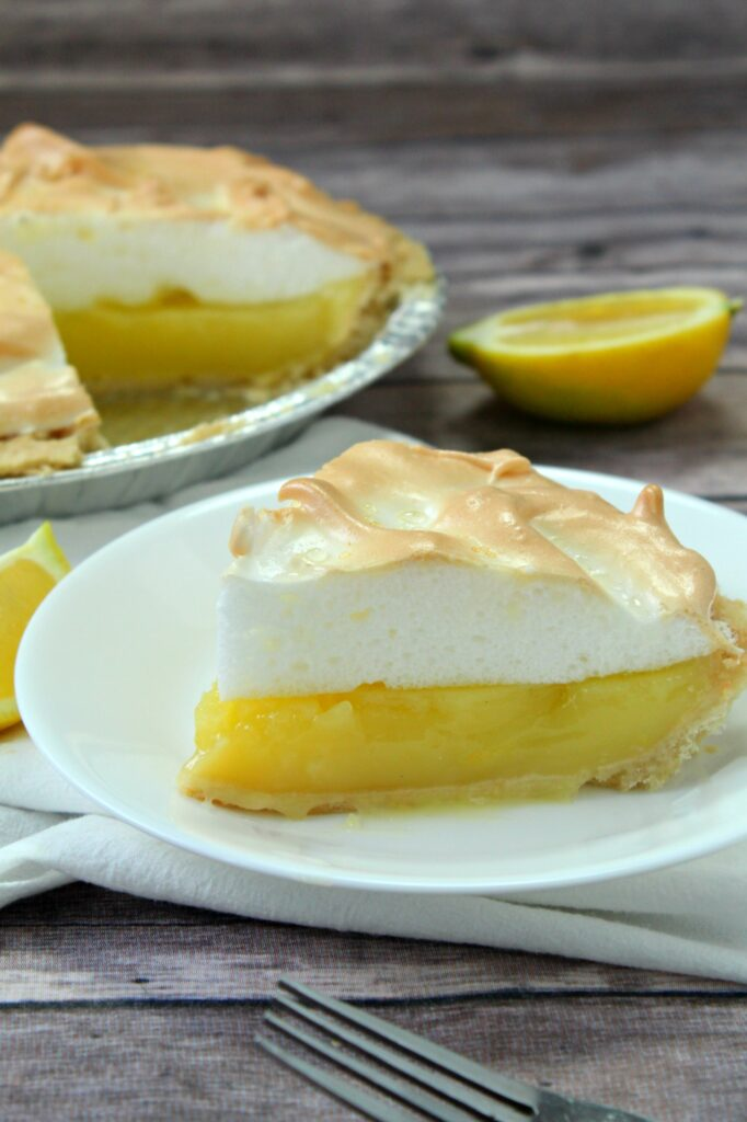 Delicious and light, this lemon meringue pie is sure to make your whole family happy.